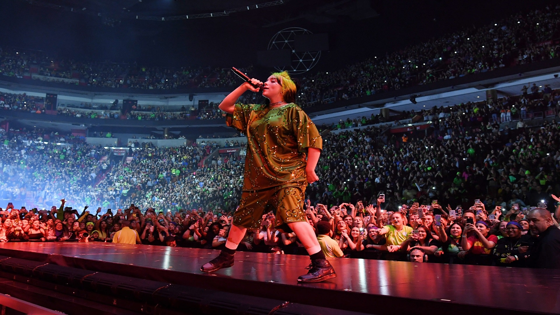 Billie Eilish protesta contra el 'body shaming'