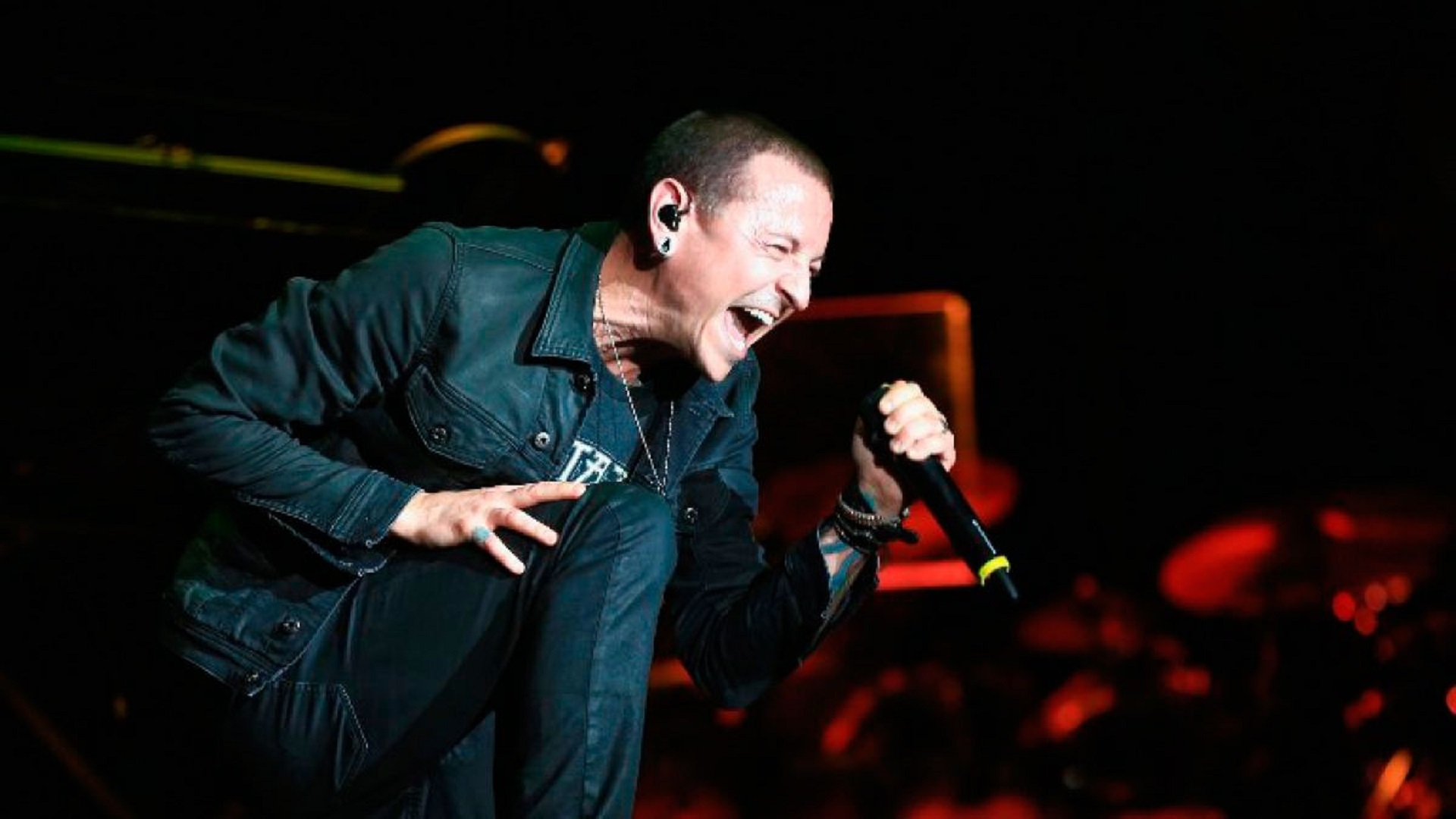 Revelan video de Chester Bennington cantando 'Polly' de Nirvana