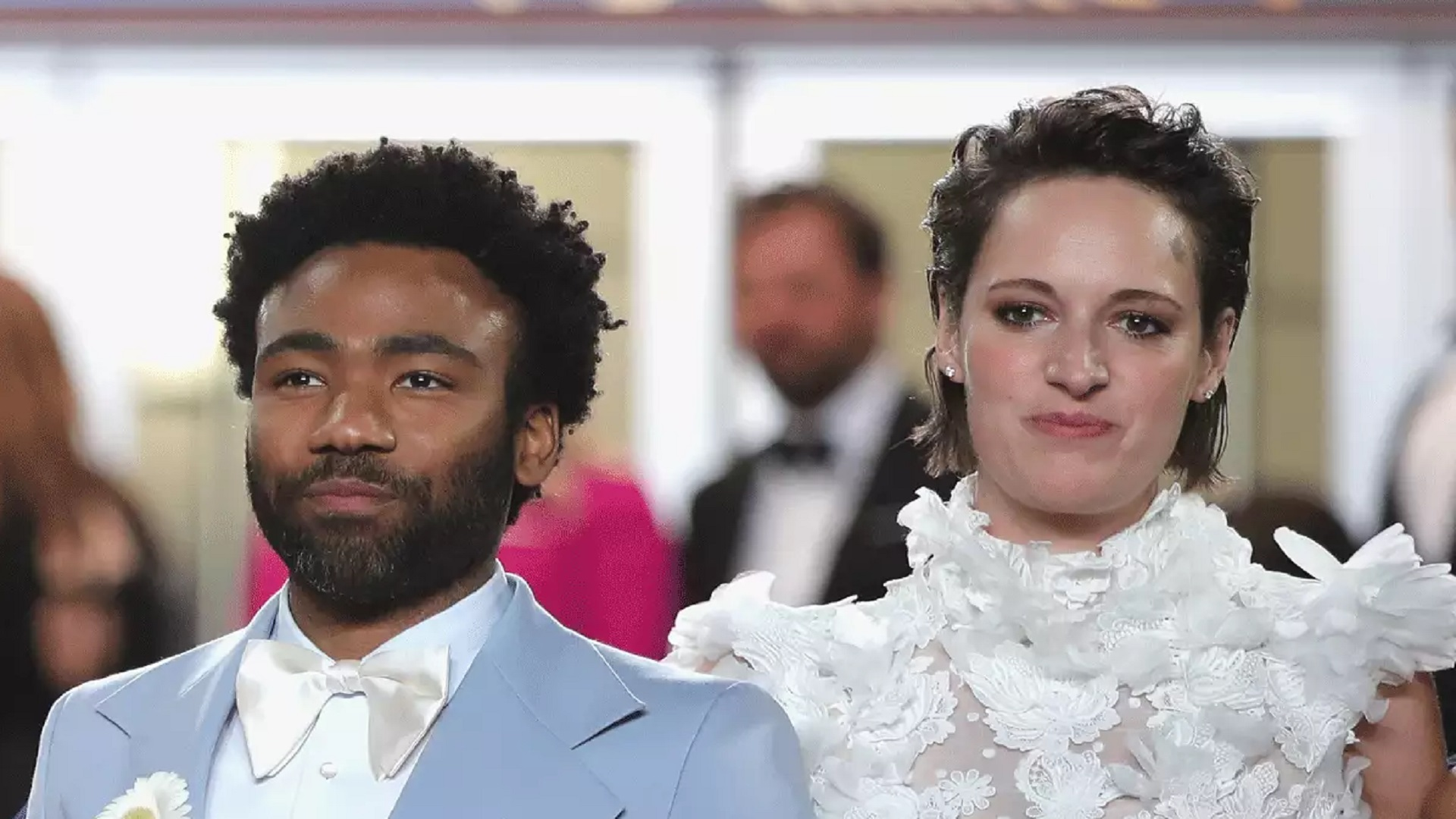 Phoebe Waller-Bridge y Donald Glover serán 'Sr. y Sra. Smith'